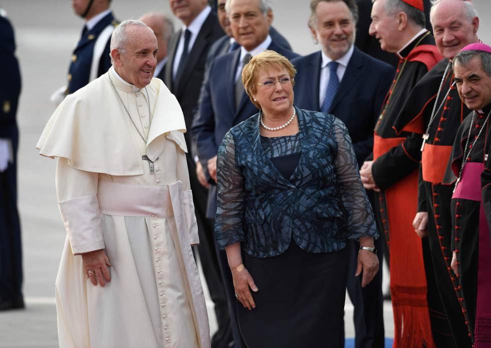 El Papa Francisco y la presidenta Michelle Bachelet, en Chile.