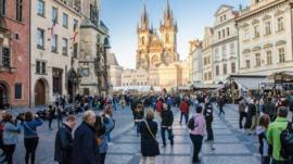 Expectativa x realidade: como é viver em uma cidade dominada por turistas