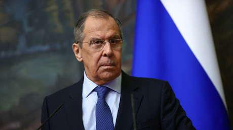 """""""Esto no es diplomacia"""": Lavrov critica la postura de Occidente en el diálogo con Rusia y China y explica cómo resistir la presión de sanciones"""