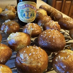 Anchor Steam Cheesy Pretzel Bites