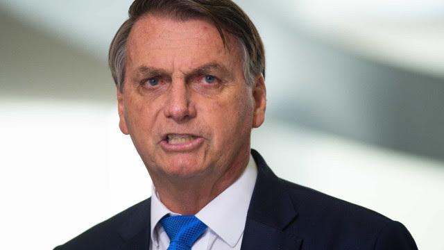 Bolsonaro: Vai ter mais férias para ser gasto (dinheiro); fiquem tranquilos
