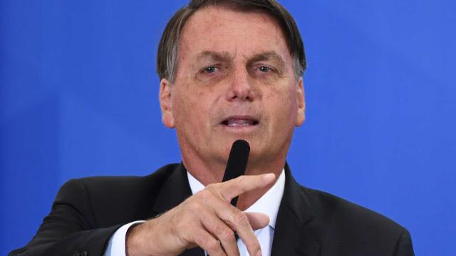 Bolsonaro dá informação falsa sobre eleição na Câmara em nova defesa do voto impresso