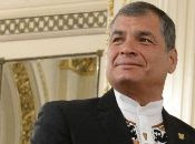 """""""Es la oportunidad de recuperar la Patria y sancionar a los traidores y verdaderos corruptos"""", aseguró Rafael Correa quien sufragó desde Bélgica, donde se encuentra radicado."""