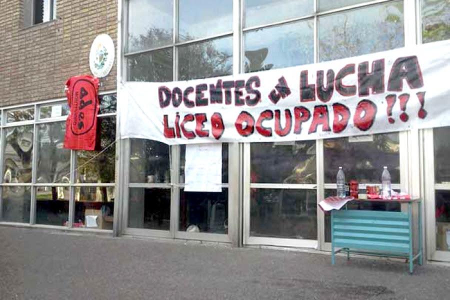 Continúan los paros en liceos de Montevideo y el jueves hay asamblea