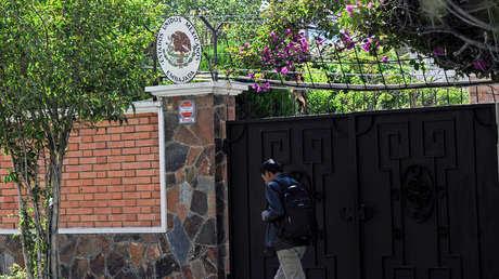 """Bolivia dice que """"jamás violará la inmunidad"""" de una Embajada y acusa a México de """"tergiversar la verdad"""""""