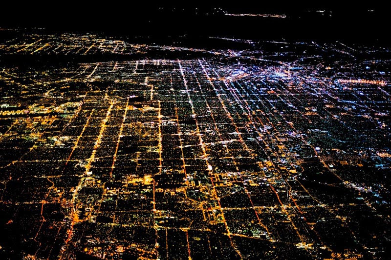los angeles at night aerial photograph tom anderson 27 Reasons You Should ALWAYS Ask for a Window Seat