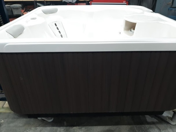 Pre Owned Hot Tubs Thatcher Pools And Spas
