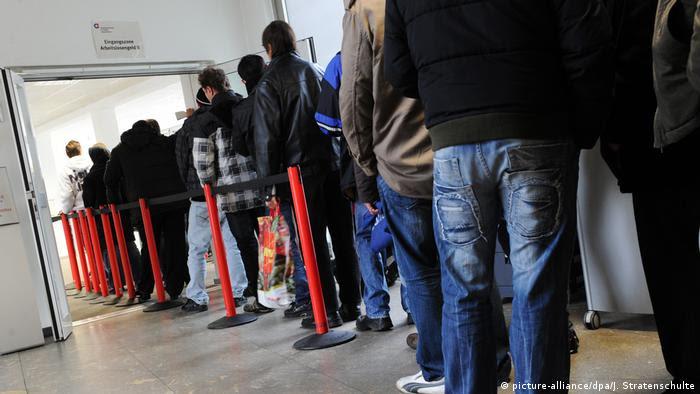 Centro de auxílio de emprego em Munique: falta mão de obra na Alemanha