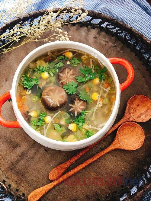 súp gà nấm hương