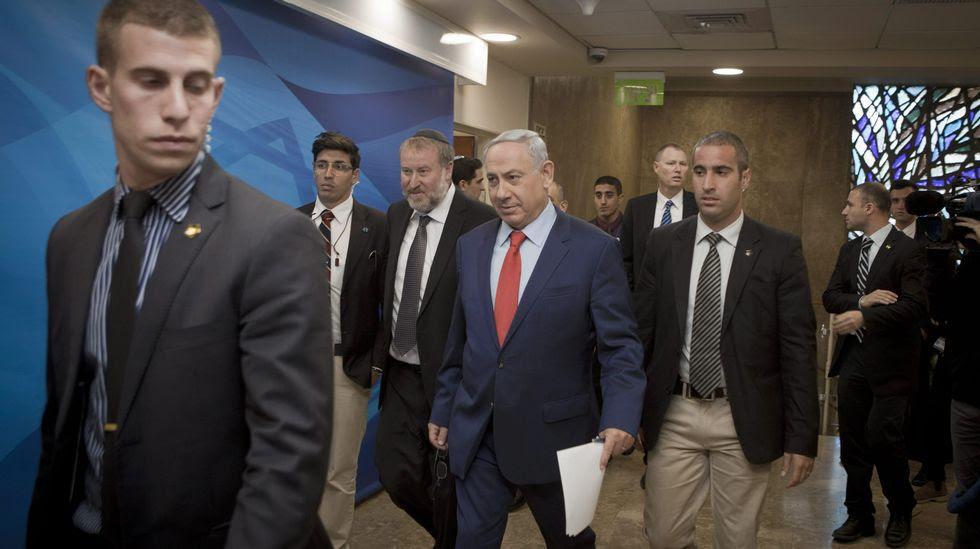 Israel suspende los contactos con la UE sobre el proceso de paz con los palestinos.
