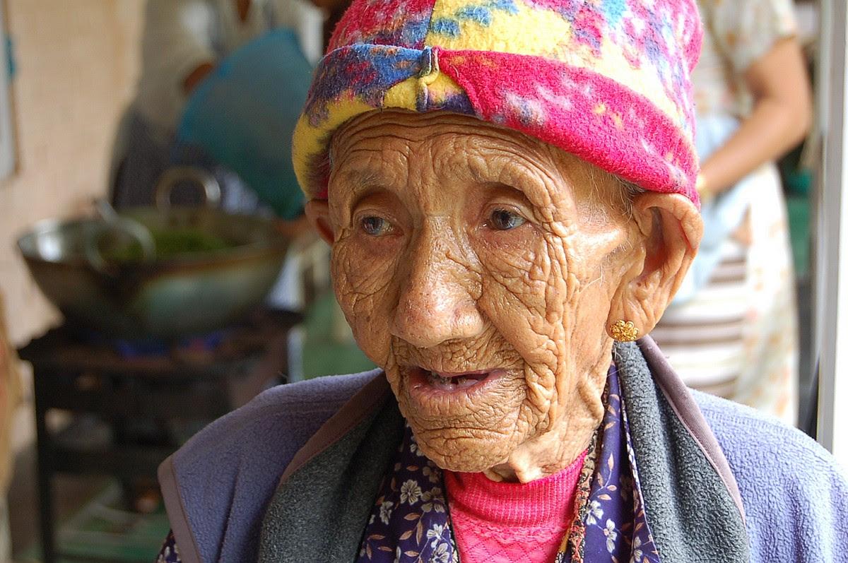 http://chicquero.files.wordpress.com/2012/03/international-womens-day-chicquero-tibetan.jpg?w=1200