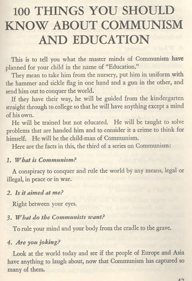 Primeira página do livreto '100 coisas que você deve saber sobre o comunismo e a educação', publicado em 1948, nos Estados Unidos