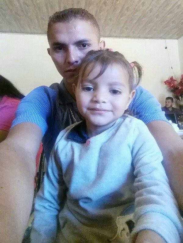 Rudy Donaldo Martínez Arias y su hija en una foto que publicó en Facebook en enero.
