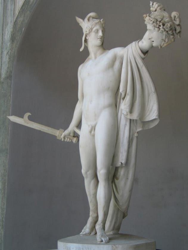 Perseo contempla la cabeza de Medusa en una escultura del año 1801 obra de Antonio Canova.