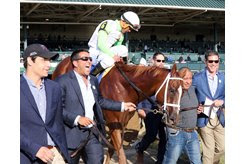 Sol Kumin leads British Idiom to the winner's circle after the Alcibiades at Keeneland