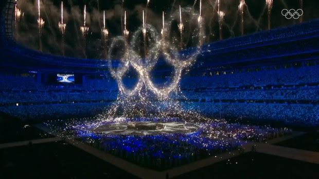Nổi hết da gà trước màn trình diễn Dòng sông ngân hà huyền ảo trong lễ bế mạc Olympic 2020 - Ảnh 4.