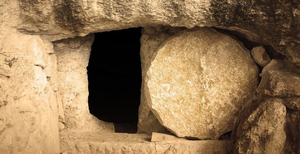 Znalezione obrazy dla zapytania zmartwychwstanie jezusa