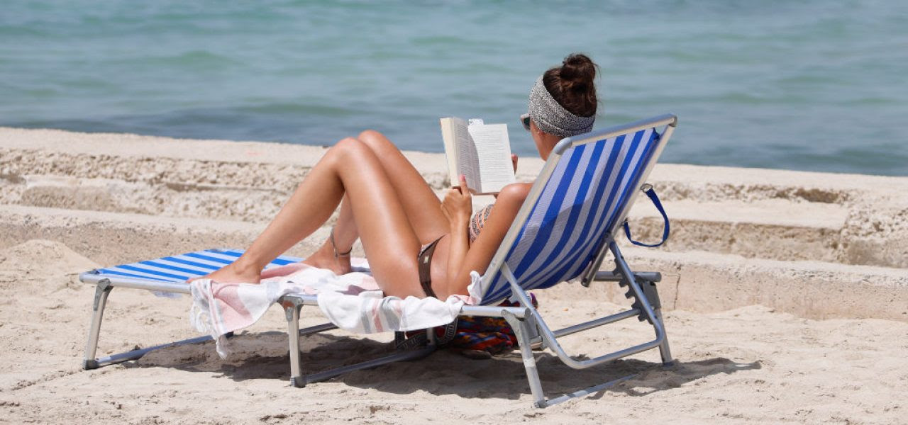 17 Art-Related Beach Reads for Your Summer Vacation, From a Crime Thriller Set in Berlin to a History of Napoleonic Plunder