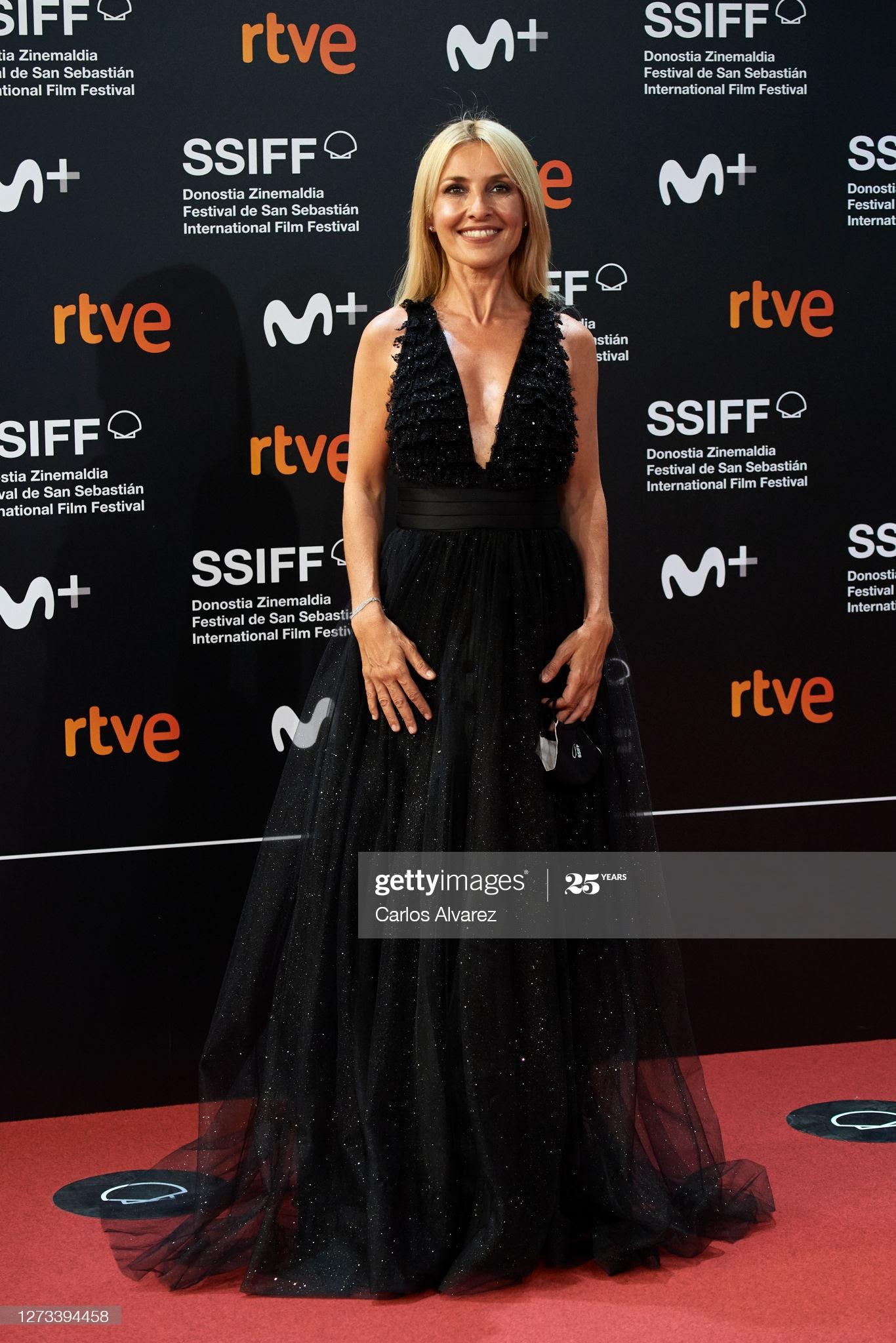 5e3d220d c731 4830 a86a 020b8ce23fcc - Festival de San Sebastián: Todas las celebrities que han lucido Jimmy Choo y Elisabetta Franchi en la alfombra roja