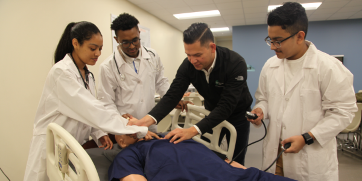 Students in the Coolidge High School Health Sciences Academy
