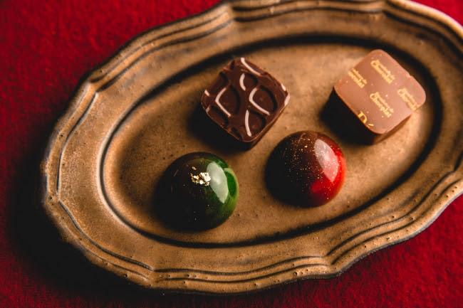 右上:きなこ、 左下:黒糖抹茶、 右下:りんごほうじ茶