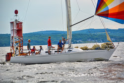 J/35 sailing Penobscot Pursuit race