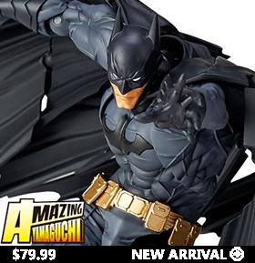 DC COMICS AMAZING YAMAGUCHI REVOLTECH NO.009 BATMAN