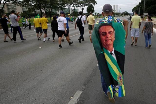 """Juan Arias   """"Qualquer um é melhor que Bolsonaro"""""""