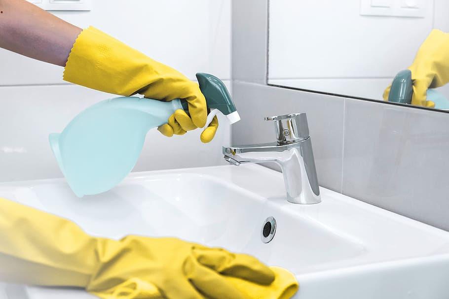 Desinfectantes                                             autorizados en la lucha                                             contra la COVID-19