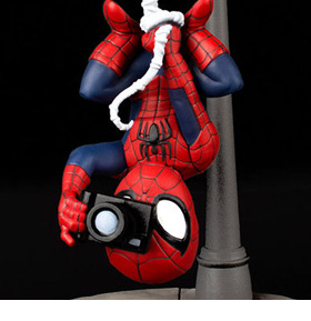 MARVEL Q-FIG SPIDER-MAN SPIDER CAM DIORAMA