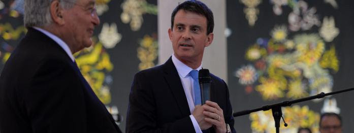 le nom de Valls hué en meeting, Hamon inspiré par les blagues de Hollande, Le Pen boudée par les expatriés...