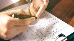 Checking glucose level. Photo via Shutterstock.com