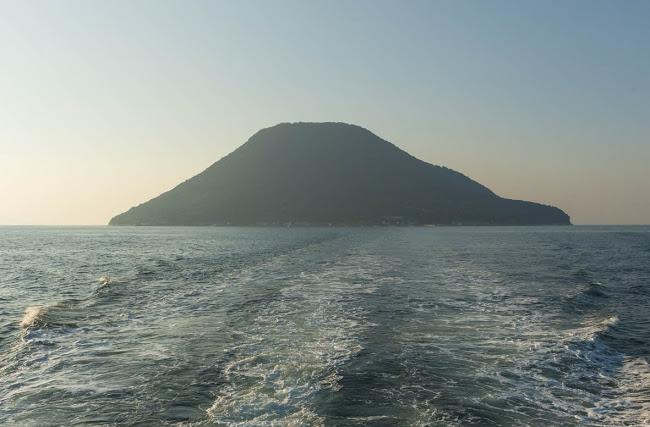 高見島 撮影:豊永政史