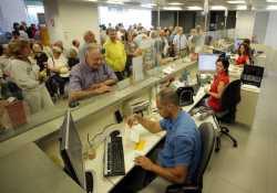 Διευκρινίσεις για το άνοιγμα τραπεζικού λογαριασμού σε χώρα της Ε.Ε.