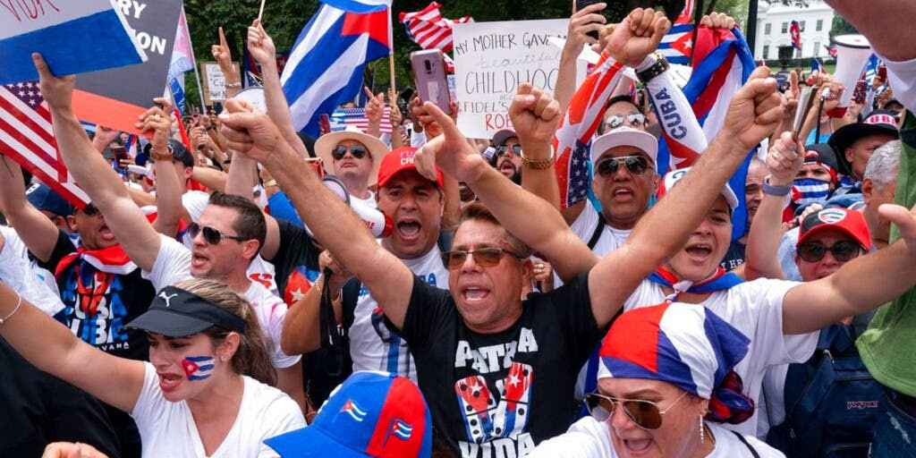 People protesting over Cuban political crisis