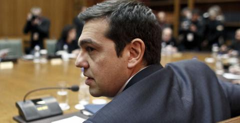 El primer ministro griego, Alexis Tsipras, en la reunión de su Gobierno en el edificio del Parlamento heleno. REUTERS/Kostas Tsironis