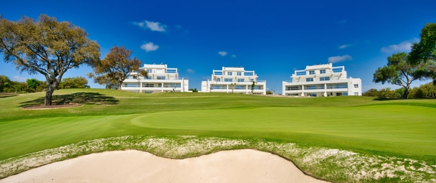 Emerlad Greens, apartments and penthouses in San Roque