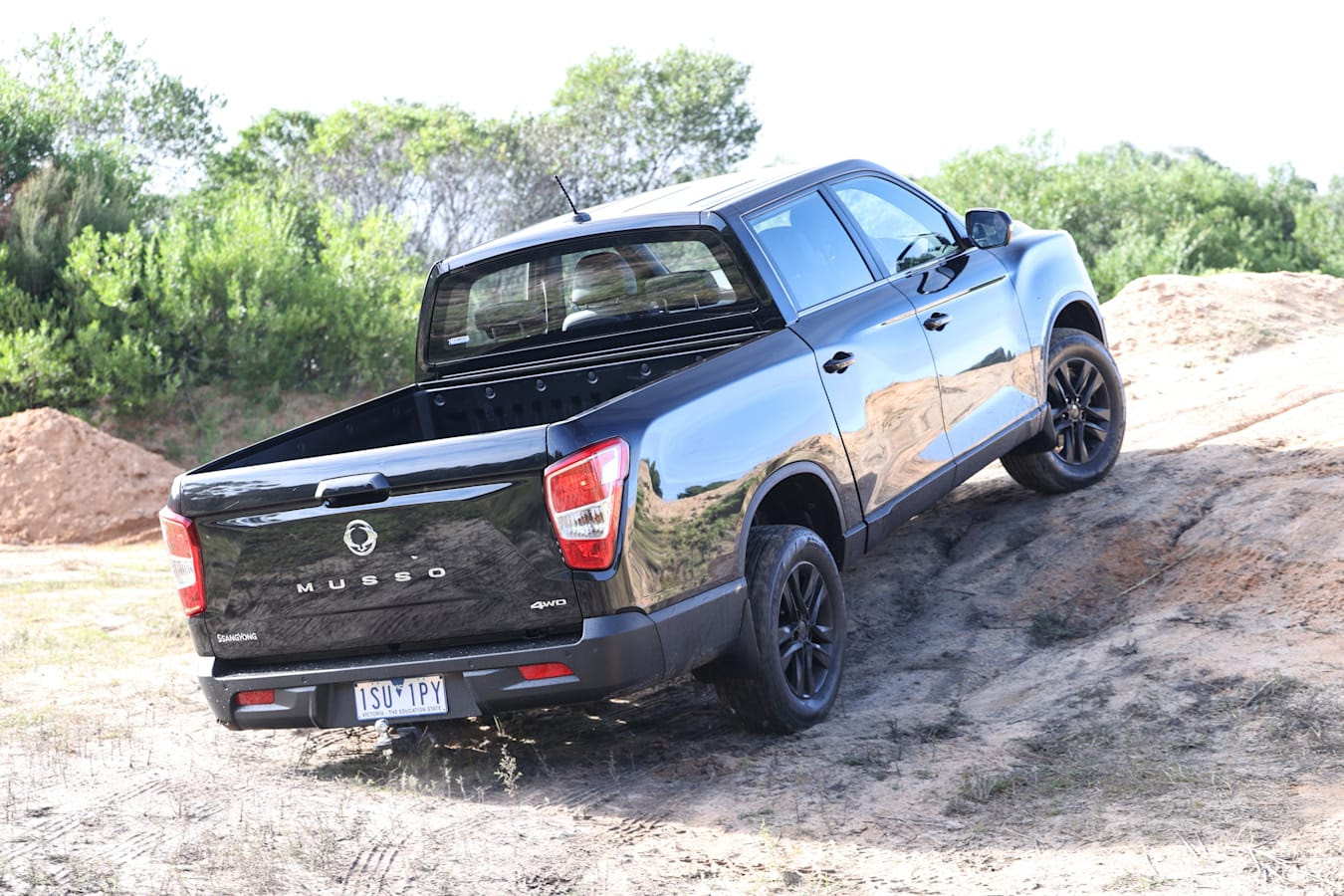 4 X 4 Australia Comparisons 2021 May 21 Ssang Yong Musso XLT Ground Clearance