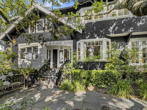 Extraordinary Winship Park residence