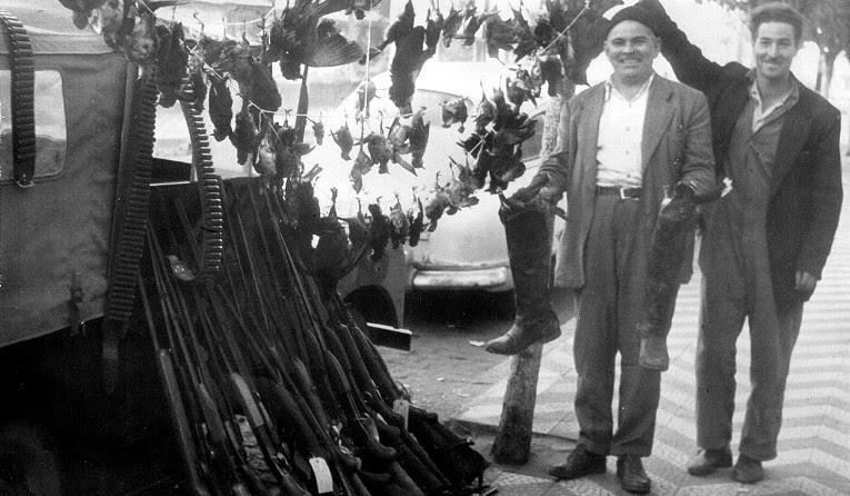 Material de caça apreendido nos municípios gaúchos de Veranópolis e Nova Prata, anos 1960. Reprodução do acervo de Henrique Luís Roessler.
