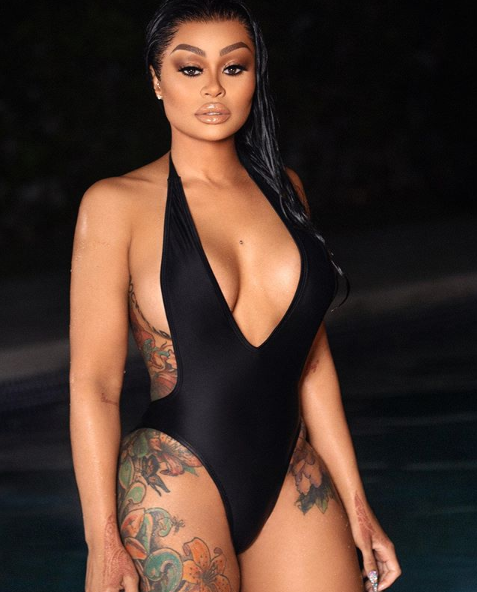 Blac Chyna flaunts her assets as she poses in a sexy swimsuit (Photos)
