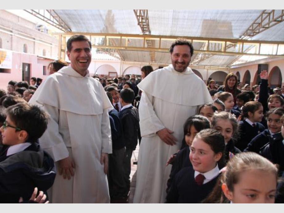 Los frailes dominicos que siguen con el legado de ser educadores