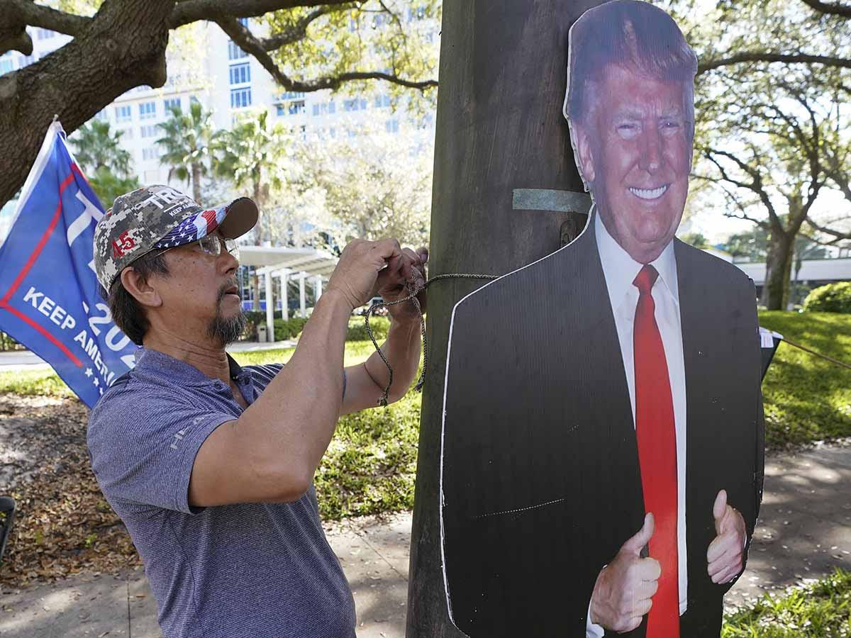 Trump reaparece hoy durante conferencia derechista