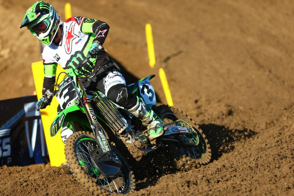 Tomac battled through the field to clinch the win with a 1-1 moto sweep.Photo: Jeff Kardas