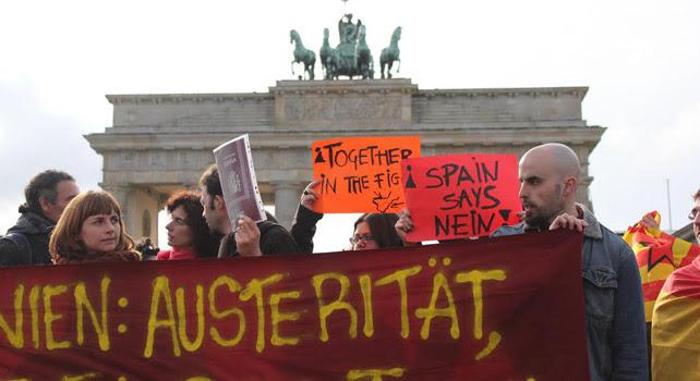 Manifestantes participan de las Marchas por la Dignidad desde Berlín.