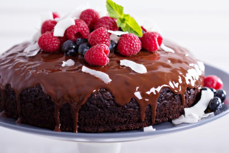 chocolate_cake_berries.jpg
