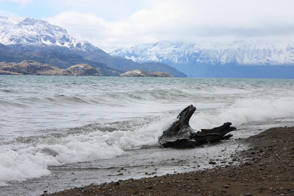 Waves on Lake General Carrera