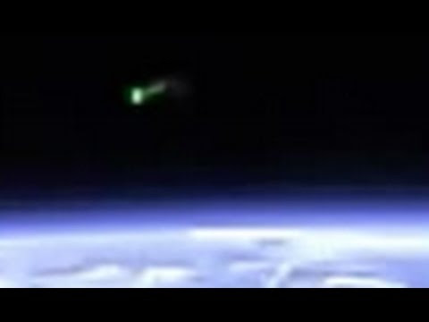 MASSIVE UFO/WORMHOLE APPEARS BRIEFLY ABOVE EARTH  Hqdefault