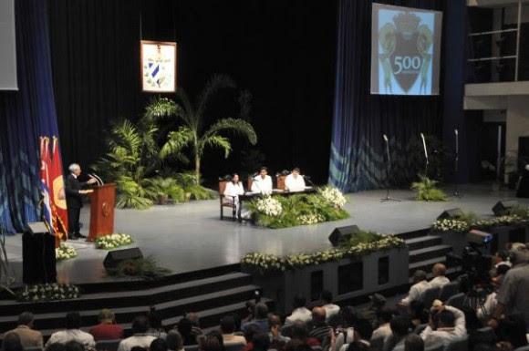 Sesión Solemne de la Asamblea Municipal de Santiago de Cuba por sus 500 años de fundada, el 25 de julio de 2015. AIN FOTO/Marcelino VAZQUEZ HERNANDEZ/