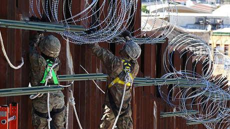 Soldados estadounidenses en el puerto de entrada DeConcini en Arizona, el 27 de noviembre de 2018.